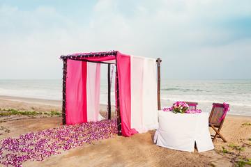 Свадебный шатер на пляже