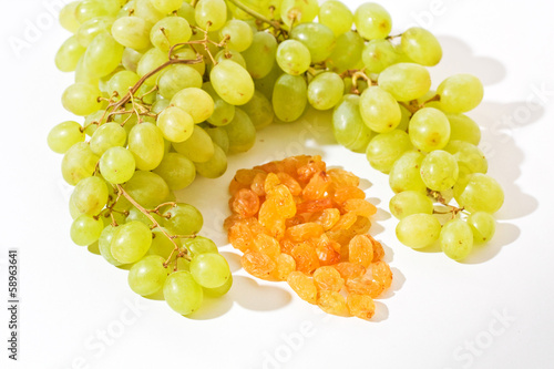 Green Grapes and yellow Raisin