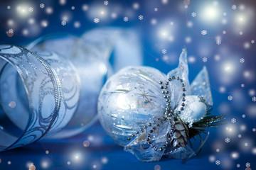 silver balls and ribbon
