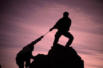 help climbers&help mountaineer