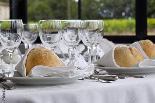 Papiers peints Table preparee Table dressée pour un banquet de mariage