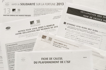 Avis d'impôt sur les revenus et d'ISF et leurs notices