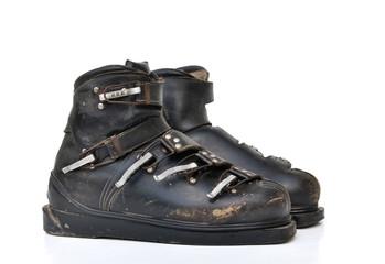 anciennes chaussures de ski