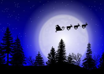 Weihnachtsmann mit Rentierschlitten über Waldkulisse mit Mond
