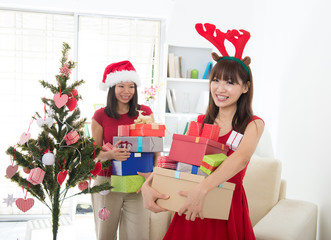 asian friend lifestyle christmas photo
