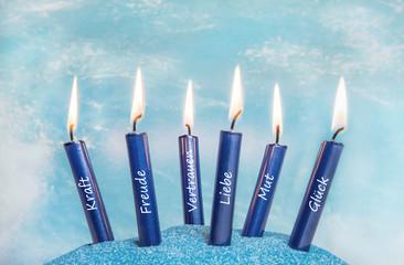 Worte - Glückwunschkarte mit Kerzen blau und Liebe, Glück