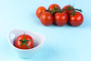 tomate im schälchen