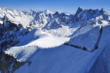 Skiers heading for Vallee Blanche