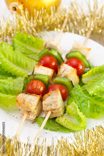 chicken kebab with tomato and pepper