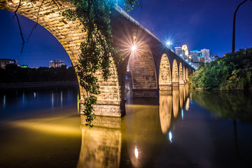 night scene of stone bridge