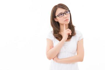 眼鏡を掛けた女性