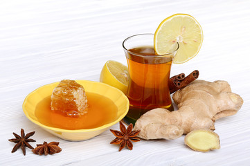 Tea with ginger, honey, lemon and spices