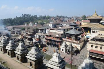 Непал, Катманду, Пашупатинатх, кремация на берегу  реки Багмати