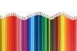Buntstifte für die Schule bilden eine Welle
