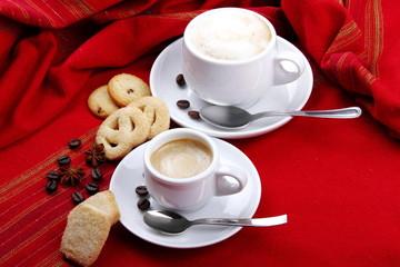Tazzina di caffè e cappuccino
