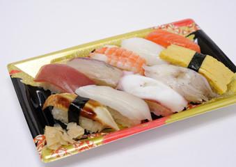 パック詰めの寿司
