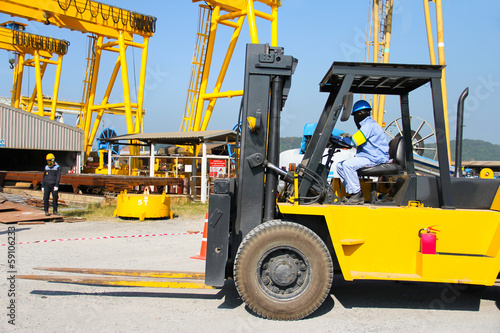 forklift in crane work