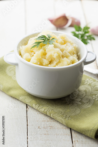 Mashed potatoes in bowl