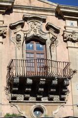 Balcone con decorazioni barocche - Ragusa Ibla