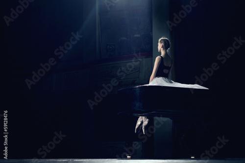 Fotobehang Dans portrait of young pretty ballerina