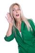 Frau hört was es an Neuigkeiten gibt oder lauscht an der Tür