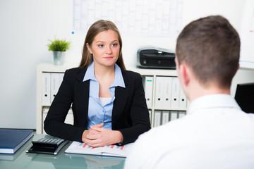 beratungsgespräch in der bank