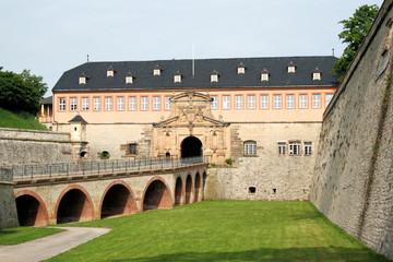Zitadelle Petersberg Erfurt - Peterstor mit Kommandantenhaus