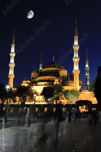 Staande foto Athene Blue Mosque with moon at night, Istanbul