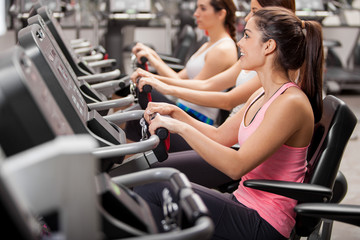 Girls on a spinning session