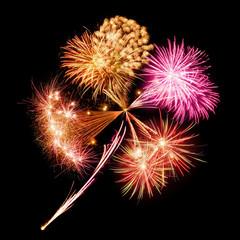 Feuerwerk in Form eines Kleeblatts