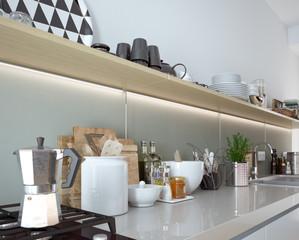 unaufgeräumte Küche - detailed kitchen view