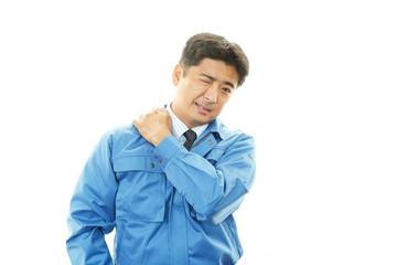 肩痛を訴える作業員