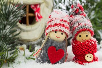 zwei Wichtelfreunde im Schnee