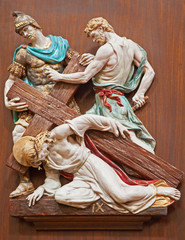 Verona - Jesus is nailed to the cross - ceramic coss way