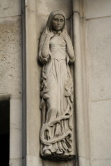 Statue at the Supreme Court in London