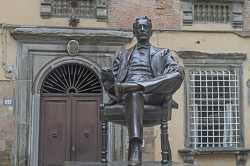Puccinidenkmal in Lucca