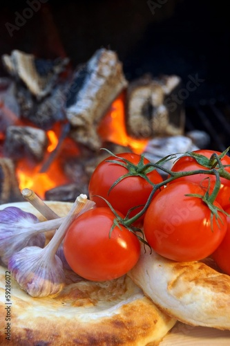 Composition with Bread, tomatoes and garlic