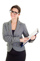 Junge Geschäftsfrau hört einem Kunden zu