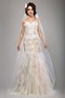 Fashion Model Classy Bride in Long Wedding Dress and Veil