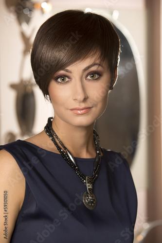 Beautiful woman - 59301050