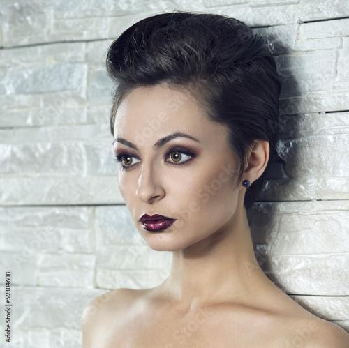 Beautiful woman - 59304608