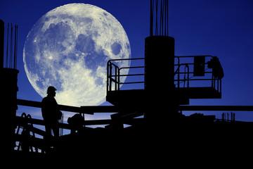 cantiere di lavoro in notturna