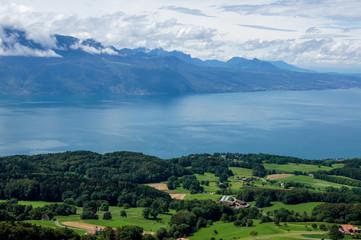 paysage montagneux autour du lac Léman 3