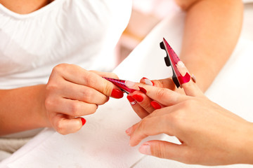 Preparing artificial nails