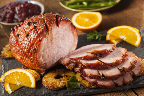 Foto op Canvas Vlees Traditional Sliced Honey Glazed Ham