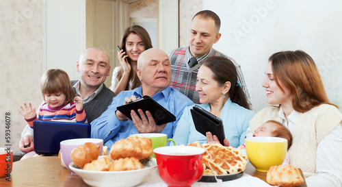 family  or friends with electronic devices