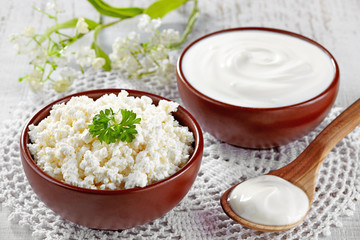 Cottage cheese and sour cream