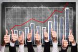 Top-Daumen vor positiver Statistik - 59359841