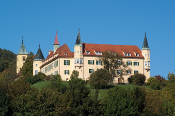 Schloss und Schlosskirche St. Martin bei Schönwetter