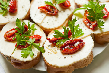 Bruschetta with sun dried tomatoes and mozzarella